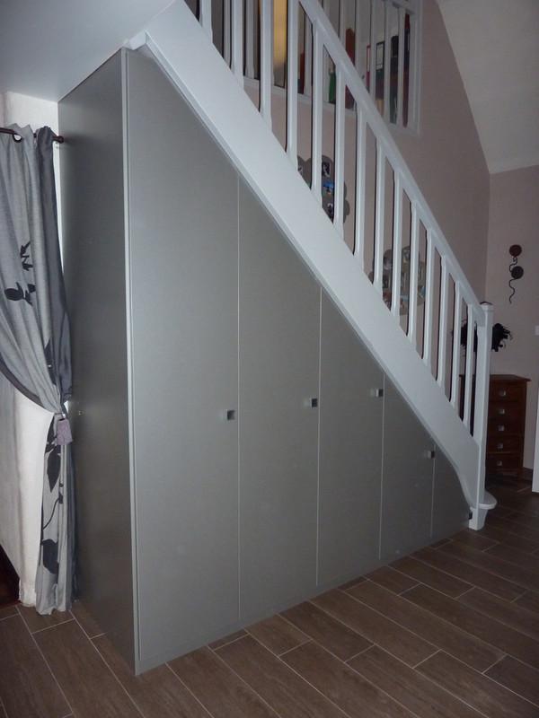 Relative Aménagement de placards sous escaliers - Les créations de pascal OO39